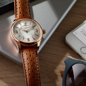 Frederique-Constant-Brand-Ambassador-Gwyneth-Paltrow-Unveil-Horological-Smartwatch_FC-282AS5B4 фото